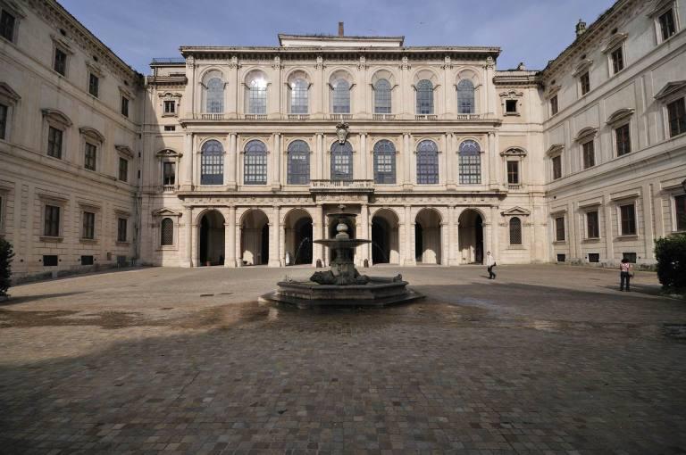 Palazzo-Barberini-ingresso2